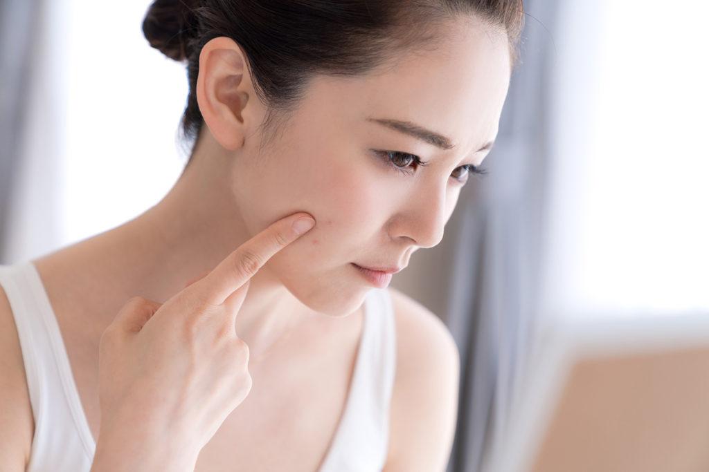 乾燥肌は皮脂も水分も不足した状態~除毛ローション後のケアを左右するお肌の状態~